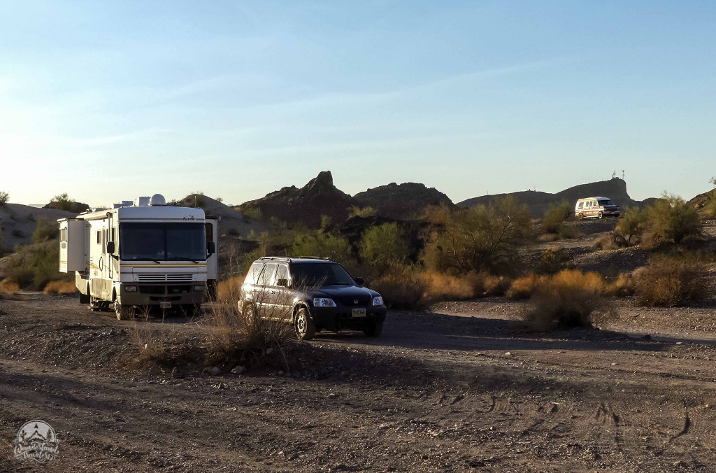 RVs camping on BLM land